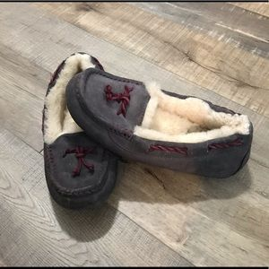 UGG grey suede moccasin slipper - Size 6